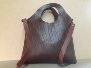 Женская сумка №311 из натуральной кожи – вид сзади