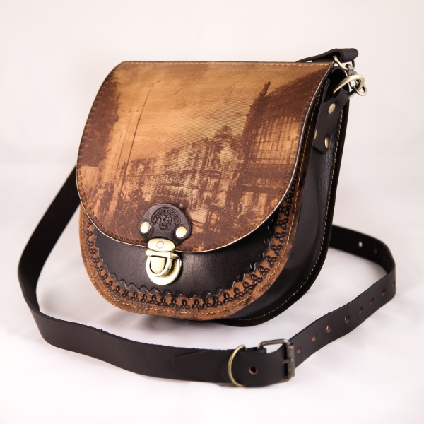 Маленькая женская сумка №012 из натуральной кожи с лазерной гравировкой